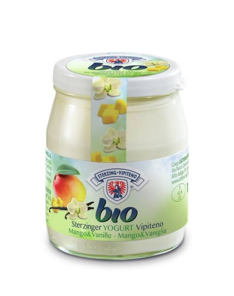 LOGO_Organic yogurt in glass jarr