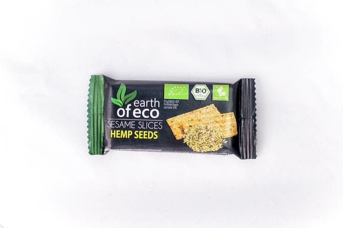 LOGO_SESAME SNAPS WITH CANNABIS SEEDS