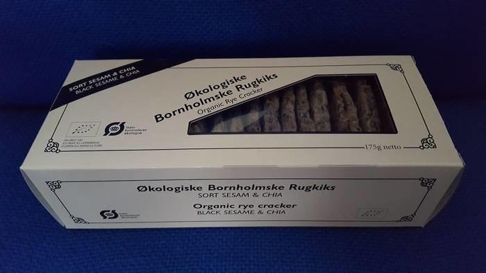 LOGO_Organic rye cracker with Black sesame and chia