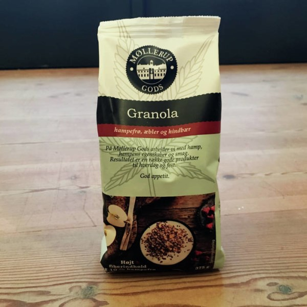 LOGO_Granola with hemp seeds, apple and raspberry, 375 g