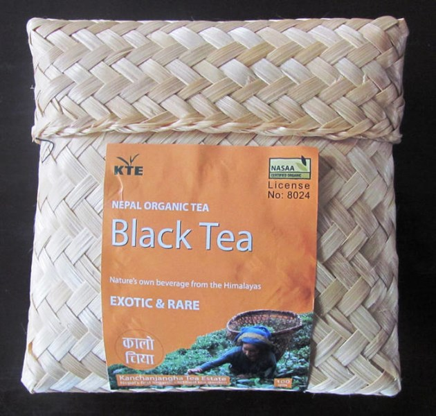 LOGO_Black Tea Bamboo Purse