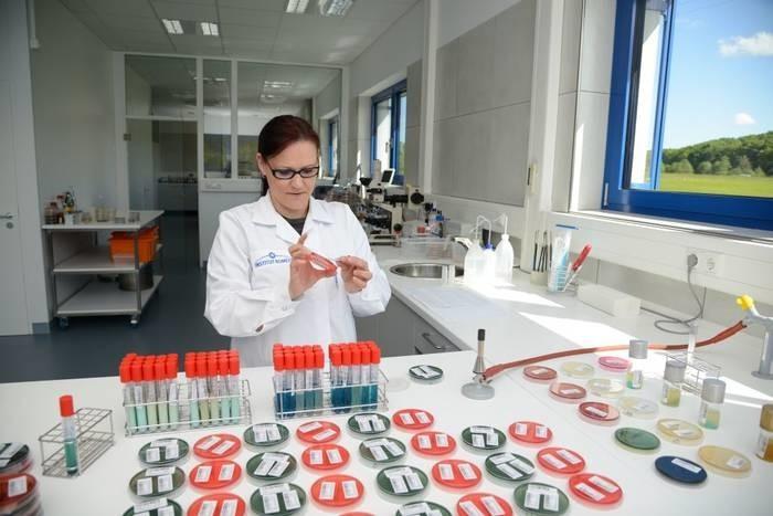 LOGO_Chemische und mikrobiologische Analysen