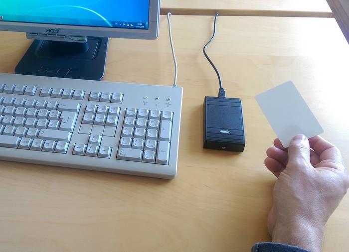 LOGO_AceProx USB Desktop Card Readers