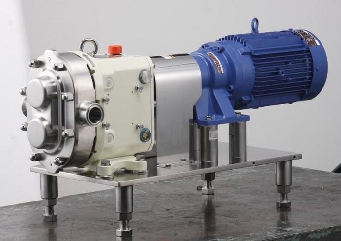 LOGO_Pumpenaggregat mit Motor und Grundplatte