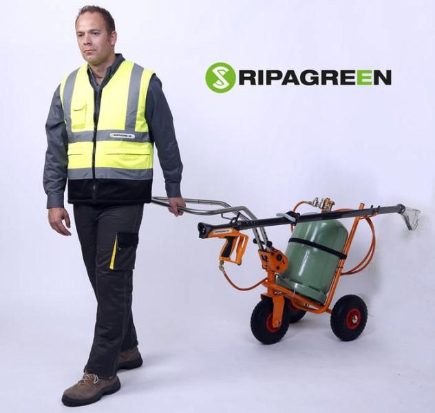 LOGO_RIPAGREEN SET, NUTZUNG DURCH EINE PERSON GEZOGEN