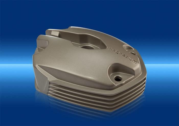 LOGO_Magnesium-Zylinderkopfhaube mit Pulverbeschichtung