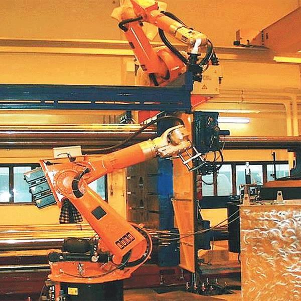LOGO_Sprüh- und Entnahmeroboter an einer Druckgußmaschine