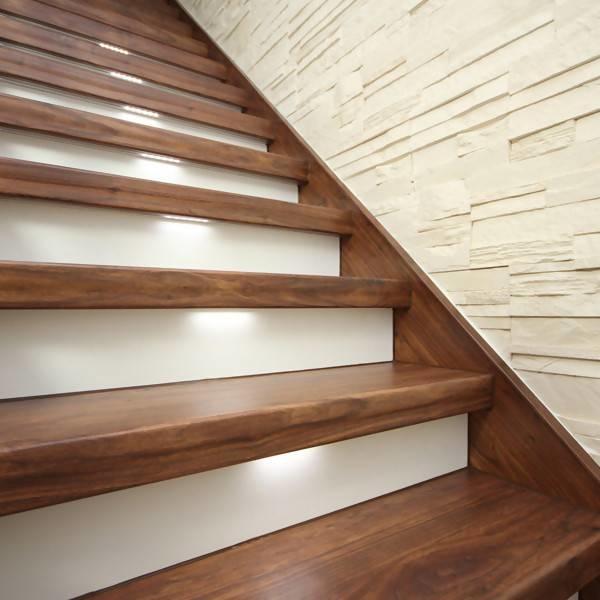LOGO_Eine Treppenrenovierung mit Laminatstufen – seit Jahren unser erfolgreicher Topseller