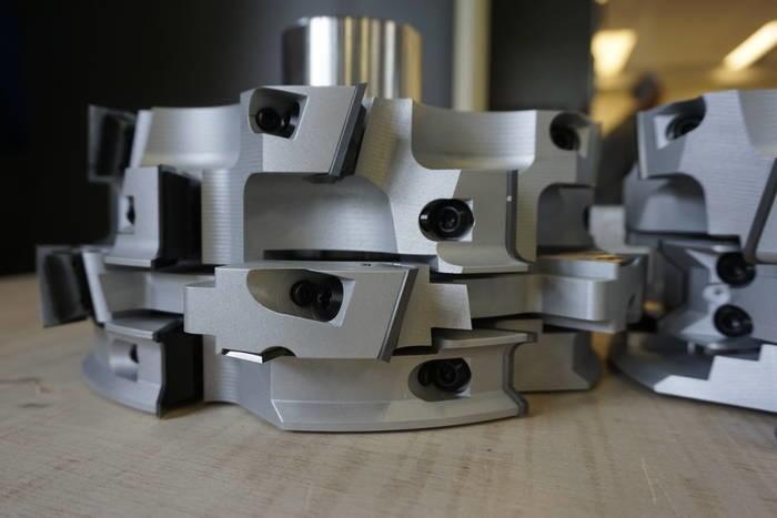 LOGO_Sonderwerkzeugbau: Sondersatzwerkzeug in PM-Ausführung (Profilmesser) zur EPS-Bearbeitung