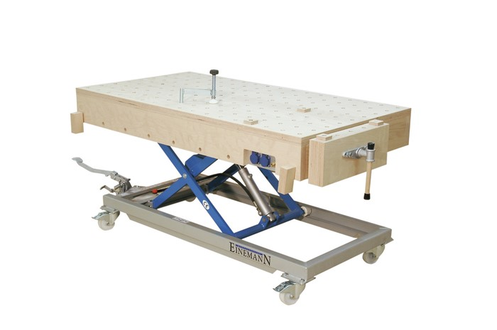 LOGO_MT 3 assembly table