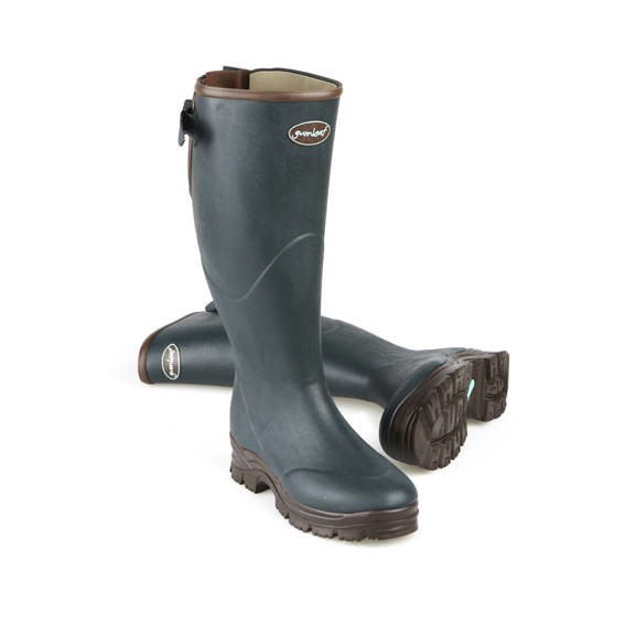 LOGO_Wellington boots