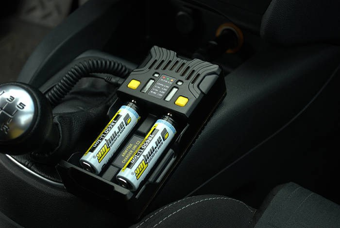 LOGO_Universal charger Armytek Uni C2 with Car adapter