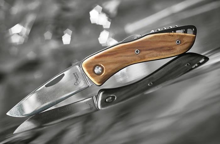 LOGO_AQUATERRA WOODEN-HANDLED KNIVES
