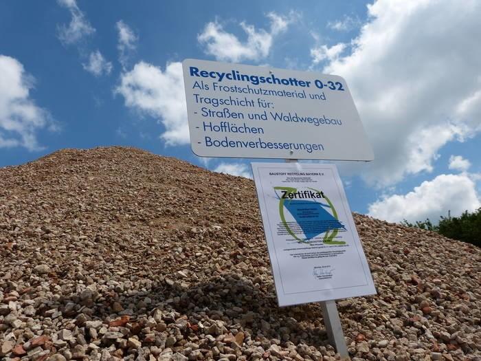 LOGO_Recyclingbaustoffe für den Straßen-, Wege- und Verkehrsflächenbau sowie den Erdbau