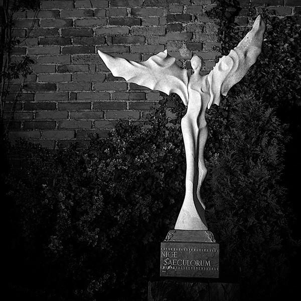 LOGO_Skulptur (Siegesengel)