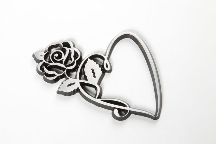 LOGO_Blume mit Herz aus Aluminium